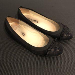 Chanel Flats Size 37.5 Black Cap Toe Shoes 7.5